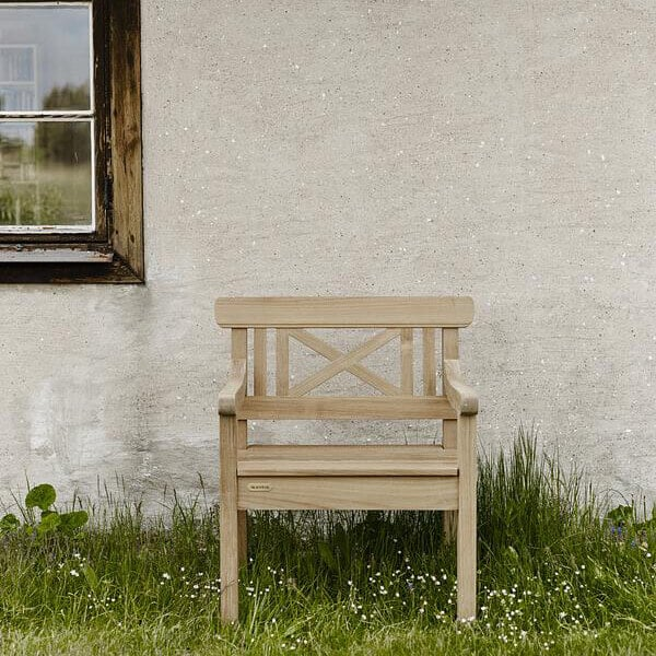 כורסא מעץ